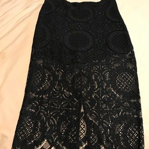 Pencil skirt lace with attached black short
